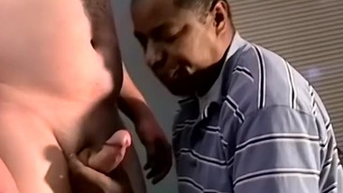 Chubby amateur blown by black dude until a messy facial