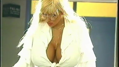 Lisa Lipps - Busty Porno Queens (1995)