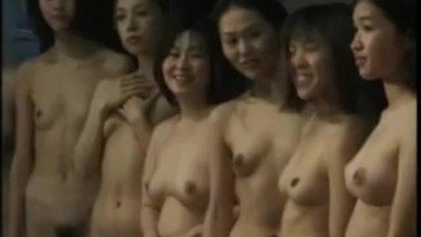 japanese nude girls posing