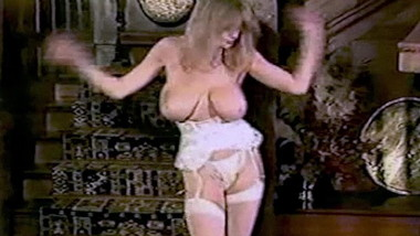 FEEL4U - vintage British big tits striptease dancing