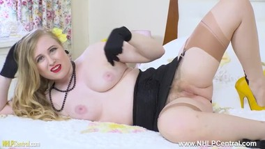 Busty retro babe Satine Spark fingers herself in open girdle nylons heels