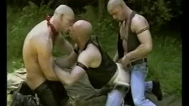 Skinhead 3some Outdoors
