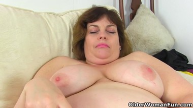 UK's cutest BBW milf Vintage Fox is a proper housewife