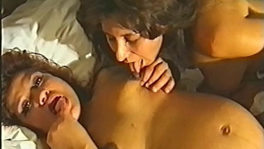 PREGNANT LESBIAN LICKING COLOSTRUM